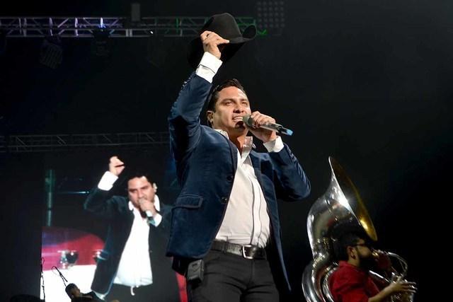 Julión Álvarez ofreció un espectacular concierto la noche del 17 de septiembre en el Mandalay Bay Events Center. El Coyote y Pancho Barraza, fueron los artistas invitados quienes juntos interpr ...