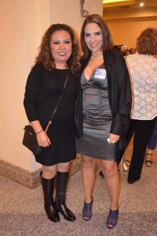 Al concierto de Julión Álvarez, acudieron personalidades como la conductora, Ana María Alvarado (der.) y su acompañante, Liliana Hernández. Foto El Tiempo