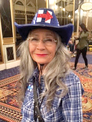 A sus 71 años de edad, la señora María Gray se ha sumado como voluntaria a la campaña local de Hillary Clinton, ya que considera que ella es la persona más inteligente para llegar a la Casa B ...