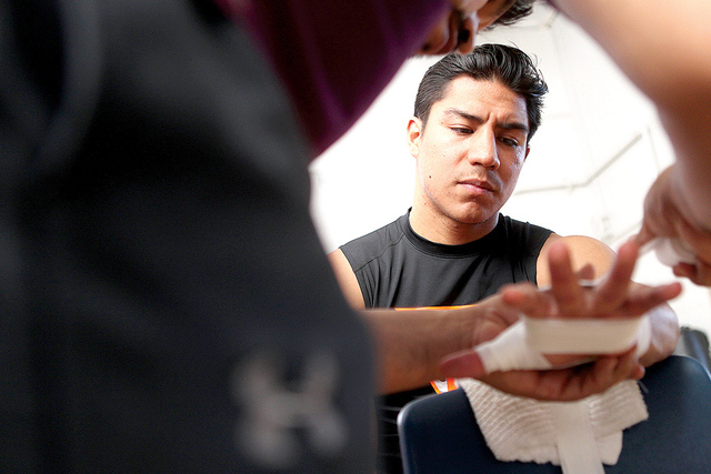 El boxeador Jessie Vargas, antes de comenzar su práctica de entrenamiento en el gimnasio Spring Mountain en Las Vegas lunes por 15 de junio de 2015. | Fotos Erik Verduzco / Las Vegas Review- Journal