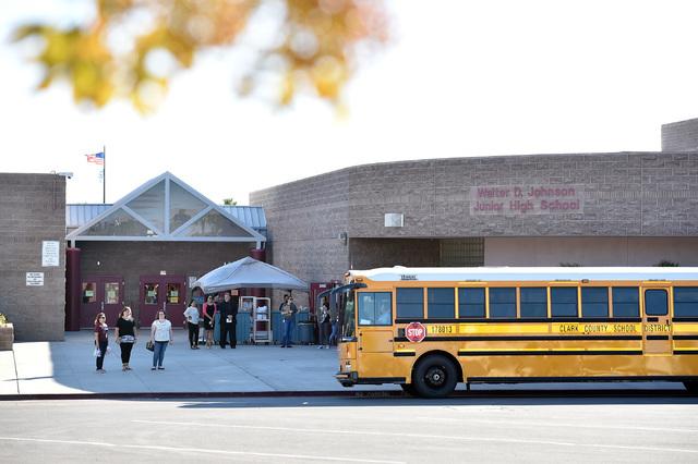 La Johnson Junior High School reabrió sus puertas luego de un incidente por contaminacion con mercurio. (Foto David Becker/Las Vegas Review-Journal).