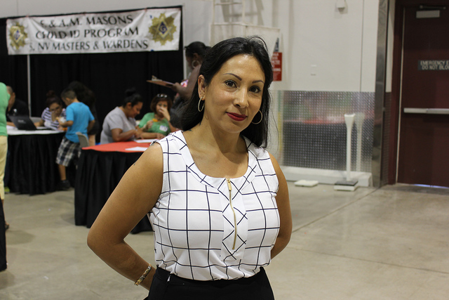 Guadalupe Ramírez, asistió con su familia y visitó los más de 100 puestos en La Oportunidad Expo en el Cashman Center, el sábado 1 de octubre. Foto El Tiempo