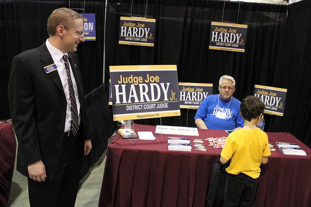 En año electoral, algunos candidatos aprovecharon para ser propaganda como el Juez Hardy. Foto El Tiempo