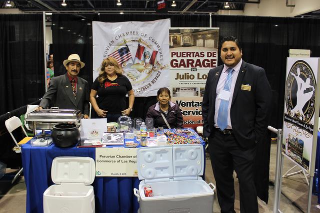 El grupo de peruanos en Las Vegas, fue parte de los expositores en La Oportunidad Expo 2016 en el Cashman Center, el sábado 1 de octubre. Foto El Tiempo