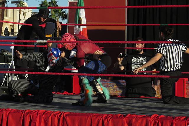 Con gran intensidad se vivió una nueva edición de Lucha Libre Las Vegas, donde los protagonistas se esforzaron cada minuto por bridar un buen espectáculo y ganar su respectiva pelea. Domingo 13 ...