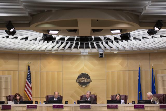 El martes 7 de febrero del 2017 el Concilio de la Ciudad de Henderson discutió y aprobó una moratoria de seis meses sobre la marihuana de uso recreativo. (Bridget Bennett/Las Vegas Review-Journa ...