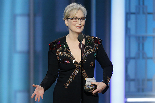 Esta imagen publicada por NBC muestra a Meryl Streep que acepta el Premio Cecil B. DeMille en la 74ª edición de los Golden Globe Awards en el Beverly Hilton Hotel en Beverly Hills, California, e ...