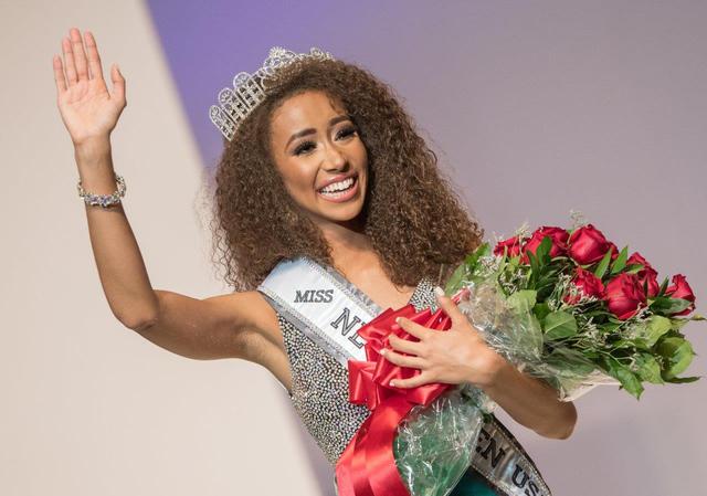 Certamen Miss Nevada USA y Miss Nevada Teen USA 2017 en el Artemus Ham Concert Hall en UNLV el domingo 13 de noviembre de 2016 en Las Vegas. Alexis Smith de Summerlin fue coronada Miss Nevada Teen ...