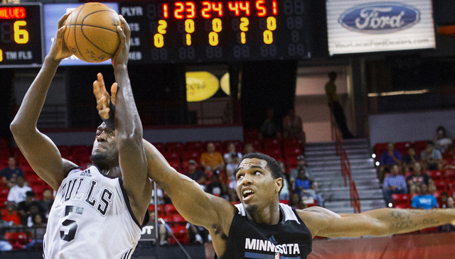 Minnesota Timberwolves forward Cote Clarke (44) attempts to block the shot of Chicago Bulls forward Bobby Portis (5) during the NBA Summer League championship game at Cox Pavilion at UNLV on Monda ...