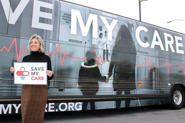 La congresista por el Distrito 1 de Nevada, Dina Titus reveló que sólo 12% de los ciudadanos de Nevada aún no tienen seguro médico, estas declaraciones fueron hechas durante la visita del auto ...