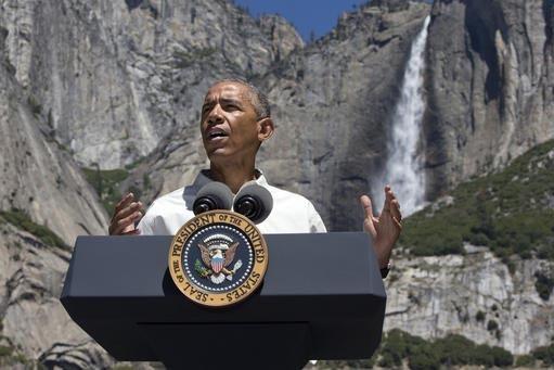 El presidente Barack Obama aparece frente del Yosemite, el 18 de junio pasado, hablando de la importancia de los parques nacionales y el cambio climático. Ahora el presidente aparecerá en un vid ...