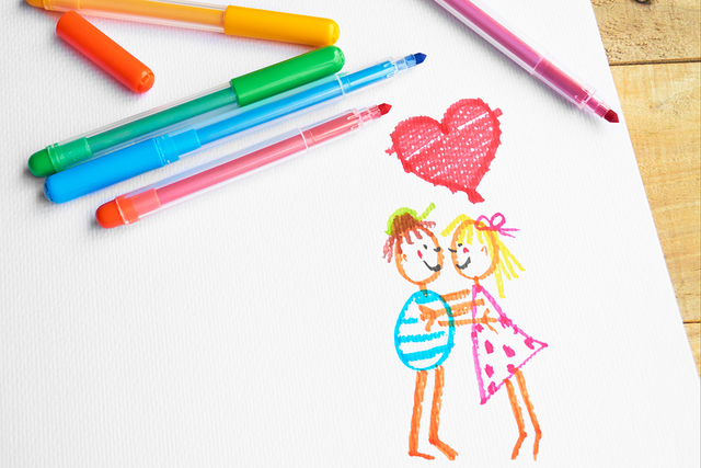 Children's drawing of a couple in love.