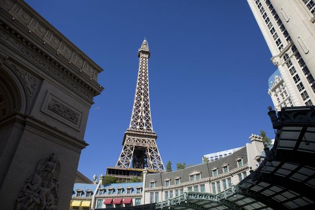 Asi se vio el exterior del hotel y casino Paris Las Vegas después de un apagón la mañana del jueves 3 de noviembre del 2016. (Foto Elizabeth Page Brumley/Las Vegas Review-Journal Follow @ELIPAG ...