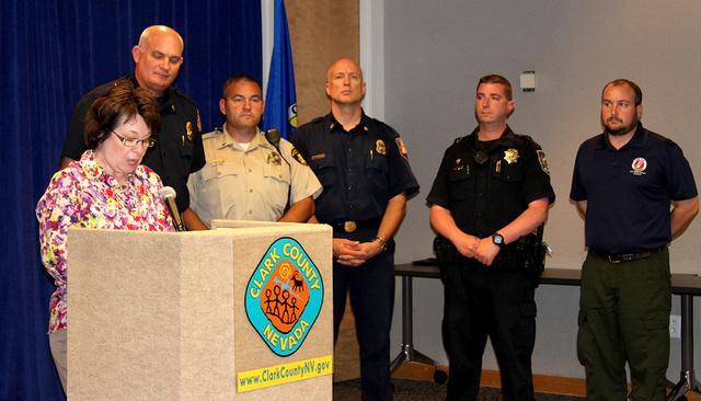 La Policía de Metro, bomberos y representantes del Condado de Clark, explicaron las medidas de seguridad para que se tomarán para el 4 de Julio y la clase de pirotecnia legal para el festejo, es ...