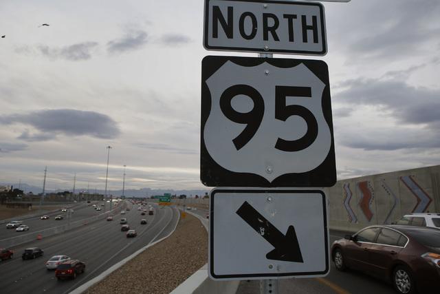 La carretera U.S. 95 entre Rancho Dr. y el Spaghetti Bowl en Las Vegas reducirá la circulación a solo dos carriles en ambos sentidos, a partir del 21 de marzo y hasta fin de año, informó el De ...