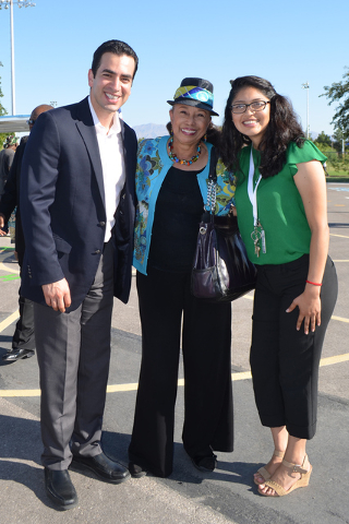 Senador Rubén Kihuen, Linda Young y la maestra Claudia Ahumada. Rubén Kihuen. Foto El Tiempo