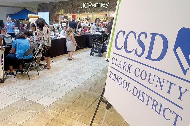 El Distrito Escolar del Condado de Clark realizará distintas ferias escolares para informar a los padres de familia/tutores y estudiantes sobre los requerimientos para iniciar con el periodo acad ...