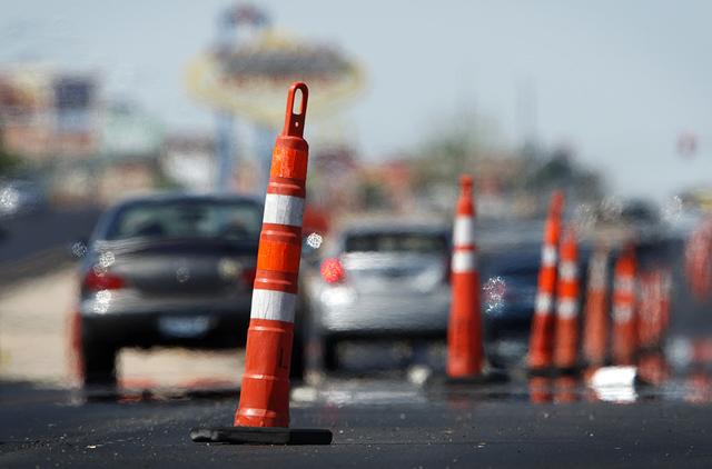 La Avenida Washington entre los bulevares Rainbow y Decatur estará en construcción hasta marzo de 2017. Habrá restricciones continuas de carriles desde las 7:00 a.m. hasta las 4:00 p.m. diariam ...