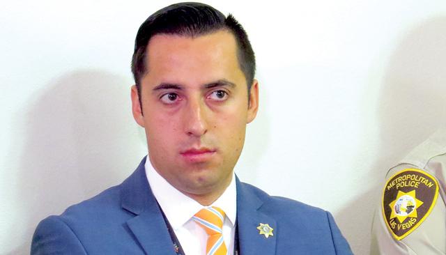 """""""Fue un fin de semana muy ocupado, recibimos más de 12,800 llamadas y más de 500 de ellas fueron por el uso o venta ilegal de fuegos artificiales"""": Michael Rodríguez, oficial de LVMPD. Foto ..."""