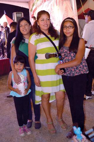 La familia Reina, presente en San Gennaro Feast. Foto El Tiempo