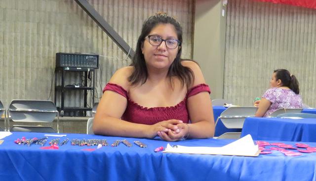 La organizadora de Planned Parenthood, Miriam Villedas, exhortó a la comunidad a no esperar hasta tener algún problema de salud para buscar a liarse a algún programa de servicios médicos desti ...