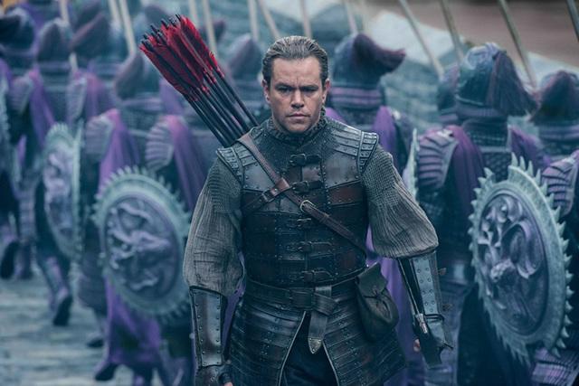 Film de ciencia ficción, fantasía, acción y aventuras en torno a los misterios que giran alrededor de la Gran Muralla China, dirigido por Zhang Yimou (Las flores de la guerra, Amor bajo el espi ...