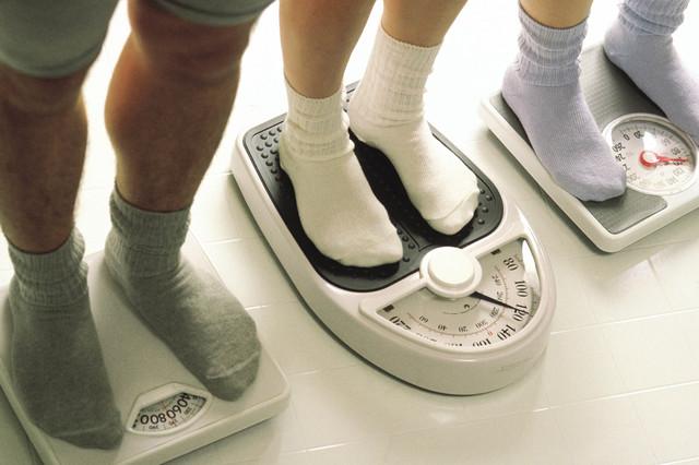Para bajar de peso los expertos recomiendan tomar acciones sencillas pero consistentes y duraderas. (Agencias).