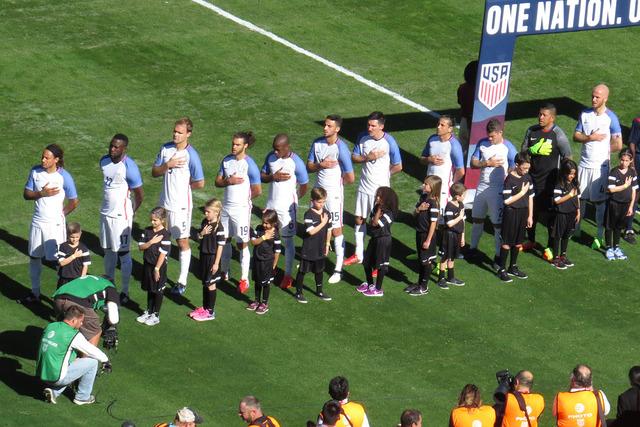 Estados Unidos inició su primer partido del 2017 y también de la nueva etapa de Bruce Arena como técnico nacional, el omingo 29 de enero en el Qualcomm Stadium de San Diego, California. Foto El ...