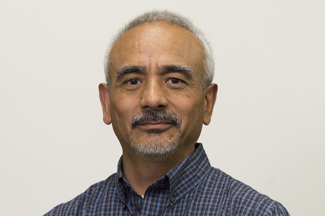 Valdemar González, editor digital para El Tiempo. | Jason Ogulnik/Las Vegas Review-Journal