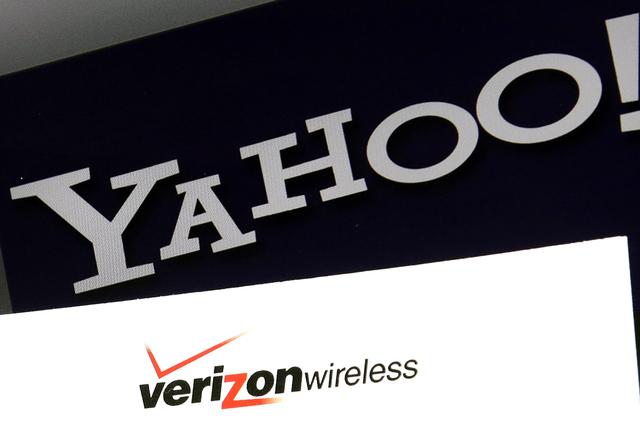 La empresa de telefonía celular Verizon anunció este lunes la compra de Yahoo, hasta hace poco un gigante de internet ahora en crisis, por 4,830 millones de dólares. | (AP Photo/Elise Amendola)