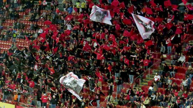 Los fieles seguidores del equipo 'fronterizo' alentando durante cada segundo del partido, viernes 27 de enero en el estadio Caliente de Tijuana, México. Foto El Tiempo/Anthony Avellaneda