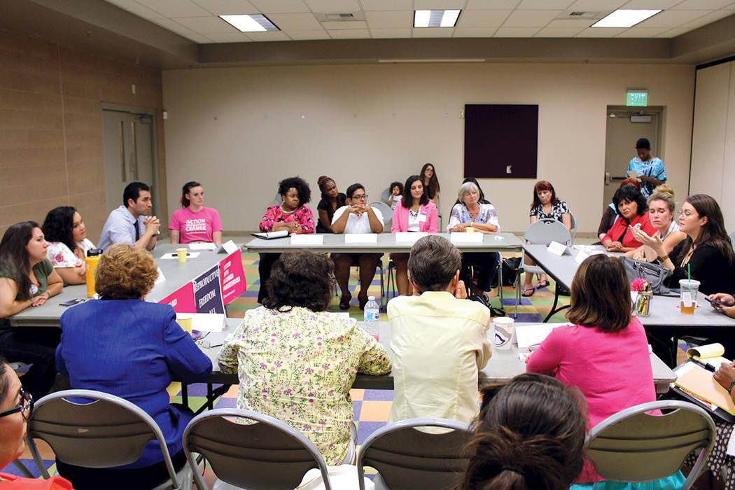 El miércoles 30 de agosto, en el centro comunitario Pearson de North Las Vegas, el congresista por Nevada, Rubén Kihuen, la organización Naral, representantes de Planned Parenthood Las Vegas y  ...