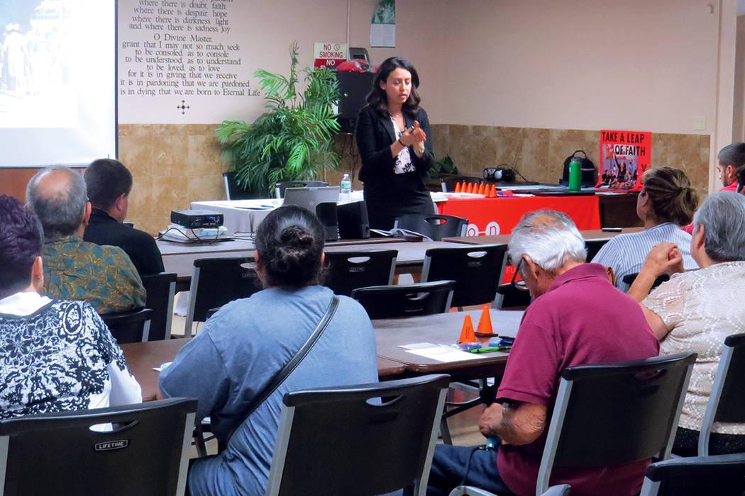 La portavoz de RTC, Ericka Avilés, habló sobre la afluencia turística en el valle de Las Vegas. Miércoles 6 de septiembre en la Iglesia San Cristóbal. | Foto Anthony Avellaneda / El Tiempo.