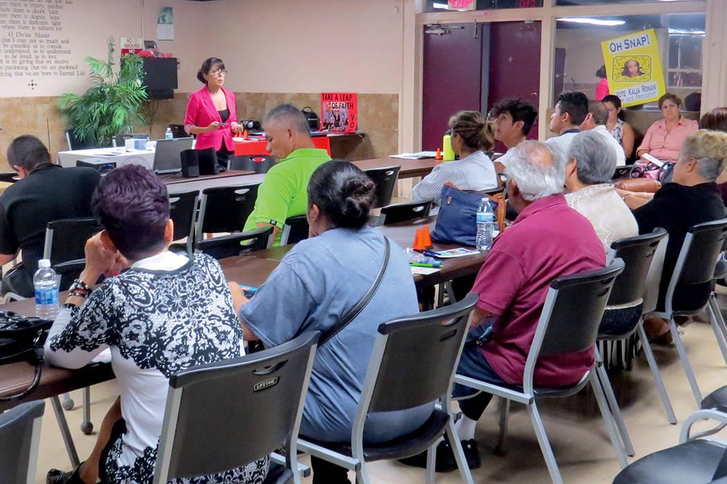 La intercesora de la Oficina del Procurador General de Nevada, Arlene Rivera, habló sobre el problema de la violencia doméstica a nivel local y nacional. Miércoles 6 de septiembre en la Iglesia ...