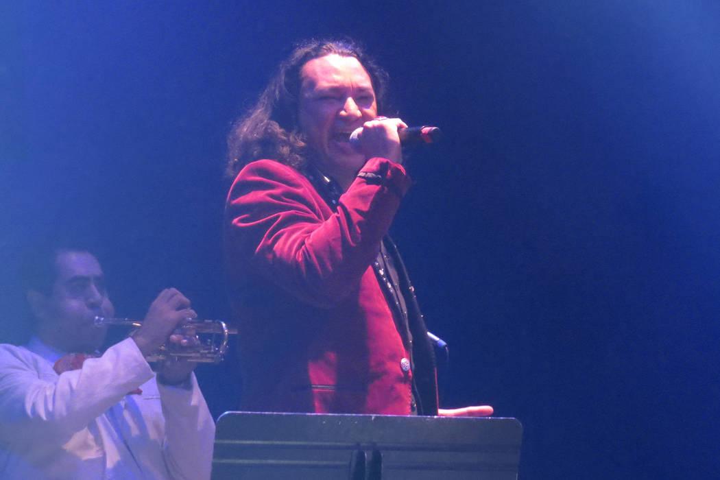 Carlos Daniles mostró mucho sentimiento en cada interpretación. Jueves 7 de septiembre en House of Blues Las Vegas.   Foto Anthony Avellaneda / El Tiempo.