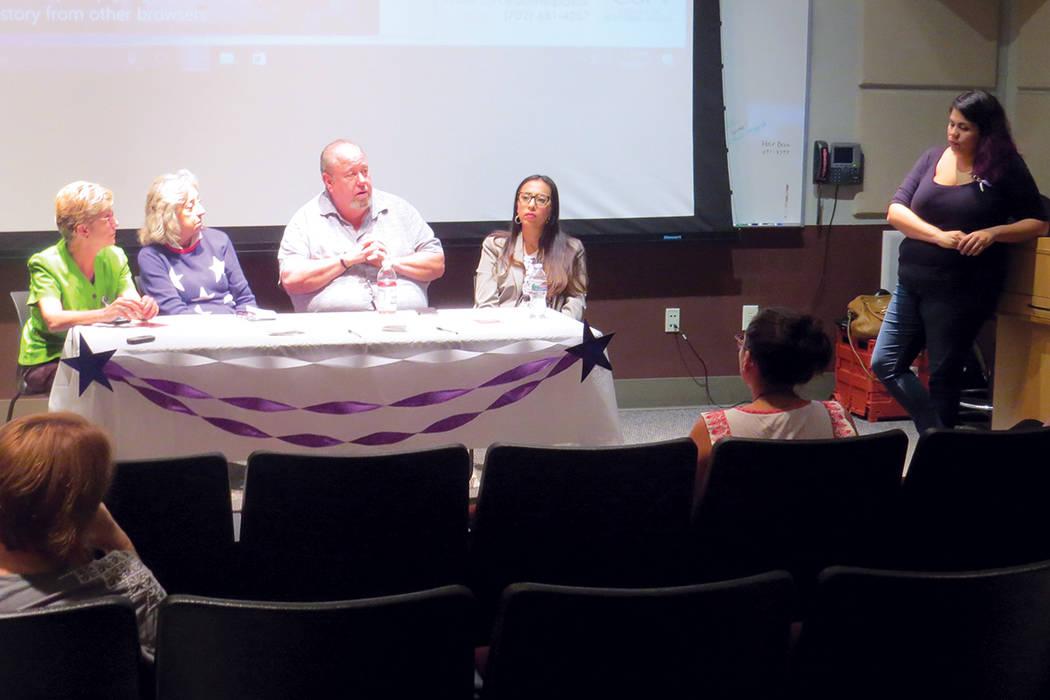 DACA 8 Y 9: Dream Big Vegas organize un evento informativo con la participación de la congresista Dina Titus, abogados y autoridades locales. Sábado 9 de septiembre en CSN.   Foto Anthony Avella ...