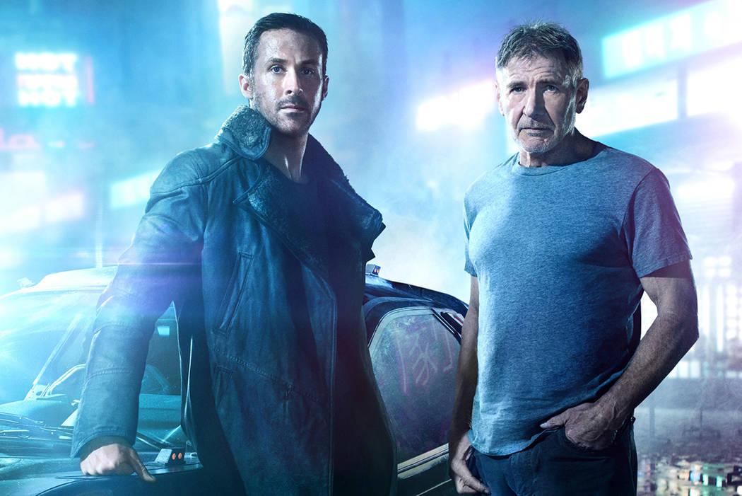 Su investigación le conducirá a la búsqueda del legendario Rick Deckard (Harrison Ford), un antiguo blade runner en paradero desconocido, que lleva desaparecido 30 años.