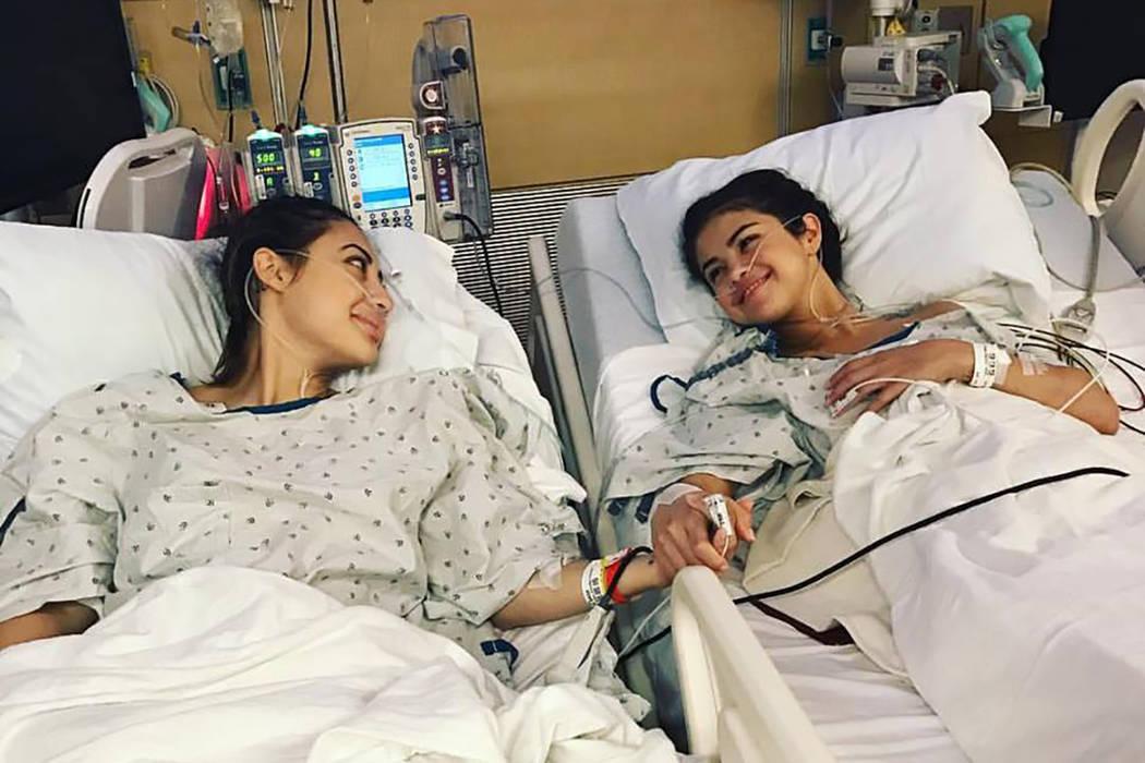 Selena Gómez recibió recientemente un trasplante de riñón en su batalla con el lupus, de la actriz de origen hondureño Francia Raisa. | Foto Instagram.
