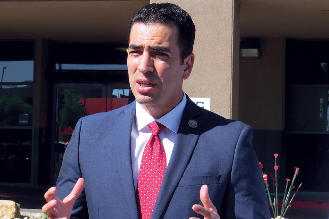 """""""Le pedimos a nuestros congresistas republicanos y demócratas que pongan esta prioridad de nuestros niños primero"""": Rubén Kihuen, congresista Distrito 4 de Nevada. Miércoles 20 de septiemb ..."""