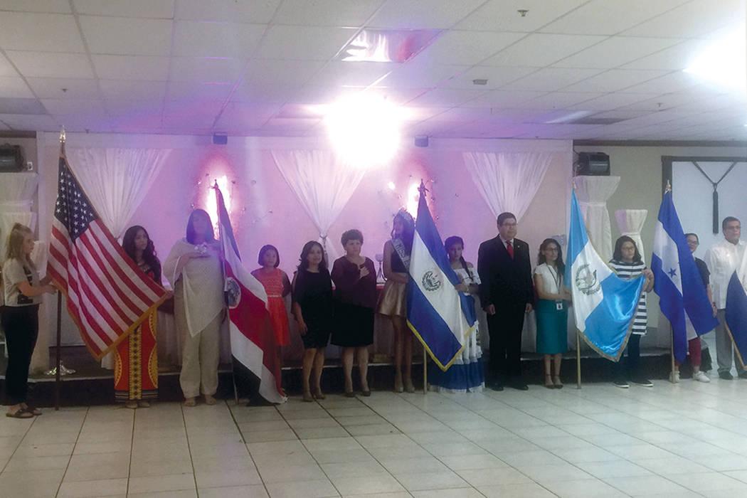 IND 1: Representantes de Costa Rica, Honduras, El Salvador, Guatemala y Nicaragua encabezaron una ceremonia conmemorativa por el aniversario de Independencia. Sábado 24 de septiembre en el salón ...