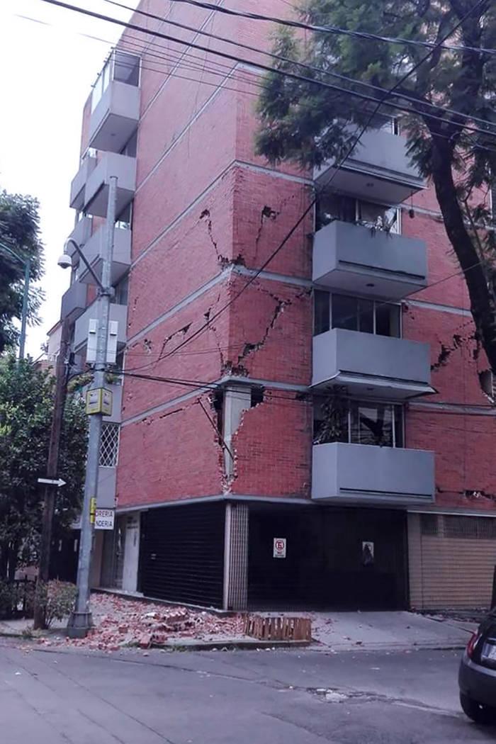 5. Edificio de apartamentos afectado en la Colonia Roma, Ciudad de México. | Foto Cortesía FCDMXLV.