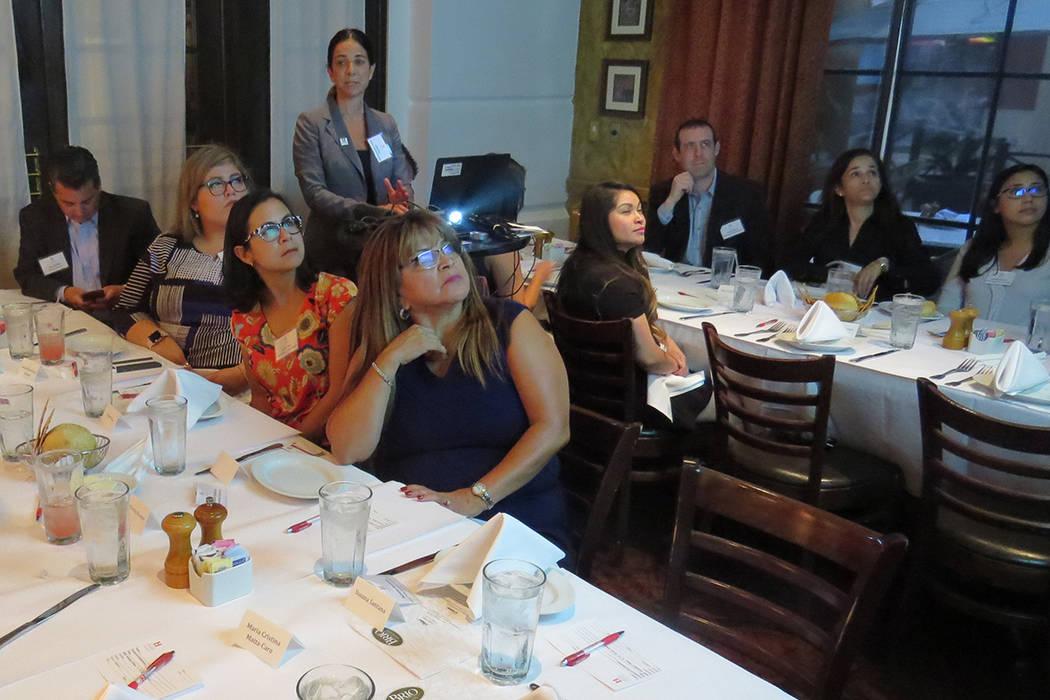 Hispanic Scholarship Fund se reunió con representantes de instituciones de Nevada para explicar cómo su programa ha beneficiado a miles de estudiantes latinos. Miércoles 13 de septiembre en el  ...