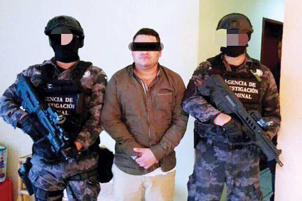 """César Rafael """"N"""" ejercía como coordinador de una célula de un grupo delictivo que actúa en Jalisco y Colima y además era el encargado de las finanzas y logística de esa organización en  ..."""