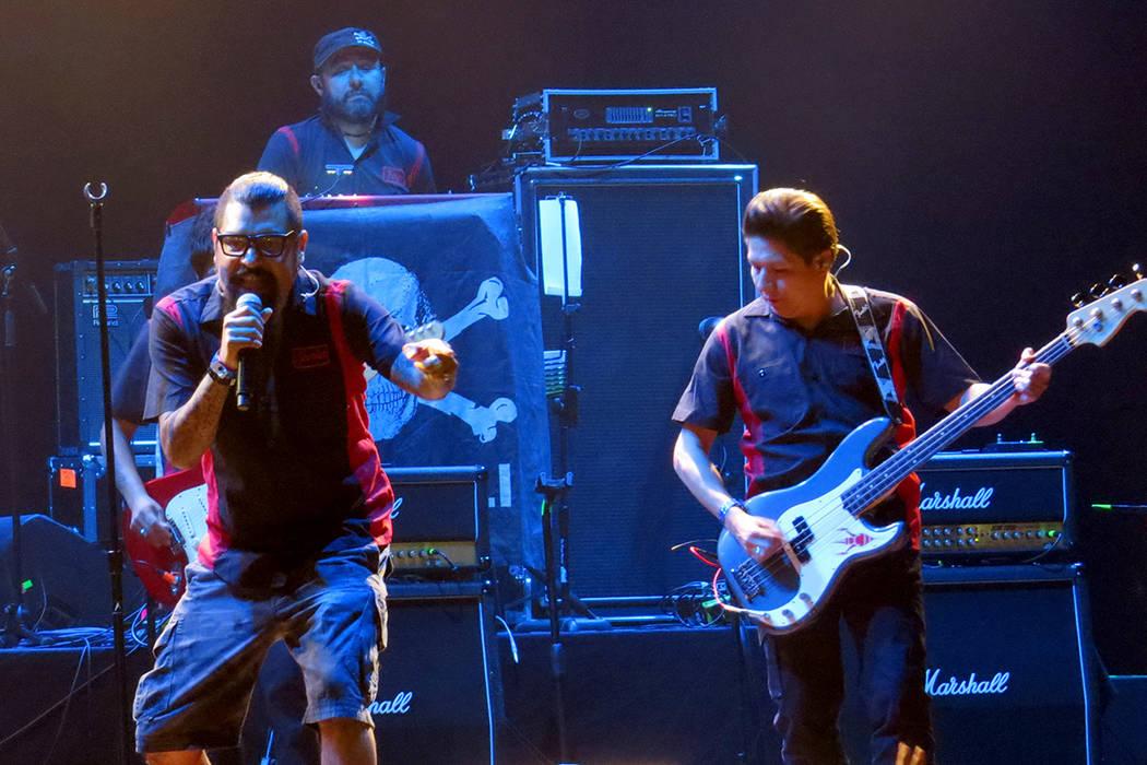 'La dosis perfecta', 'Arréglame el alma' y 'La carencia' fueron algunas de las canciones más coreadas de la noche. Jueves 28 de septiembre en House of Blues. | Foto Anthony Avellaned ...