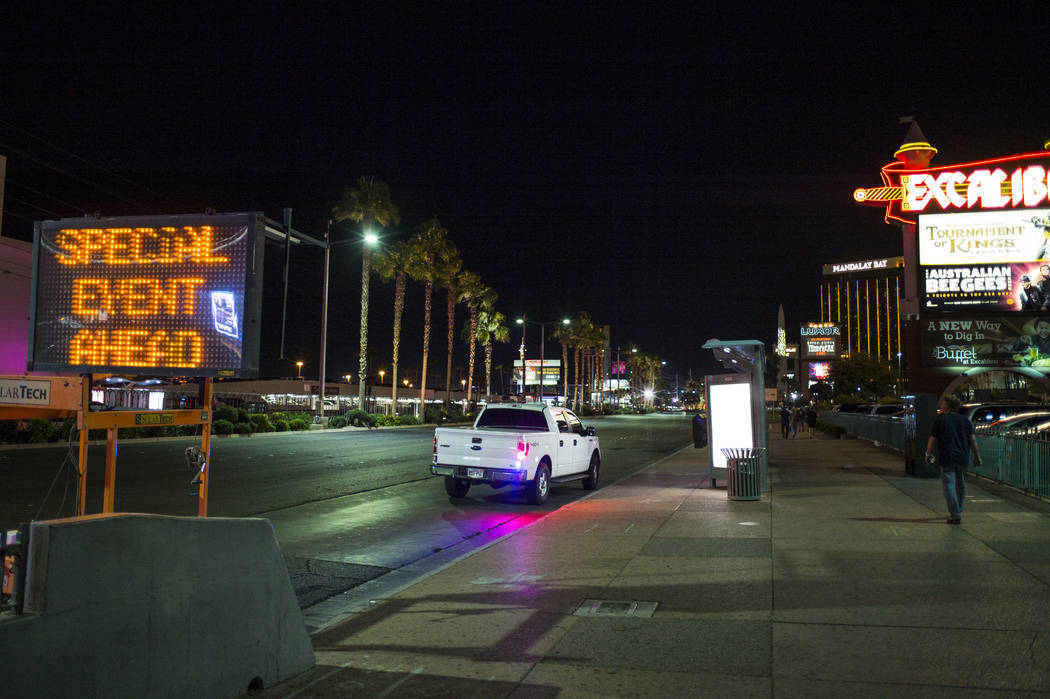 Una toma del bulevar de Las Vega despues de una situación activa de tirador que dejó 50 muertos y sobre 200 dañados en El Strip de Las Vegas durante las horas tempranas del lunes, 2 de octubre, ...