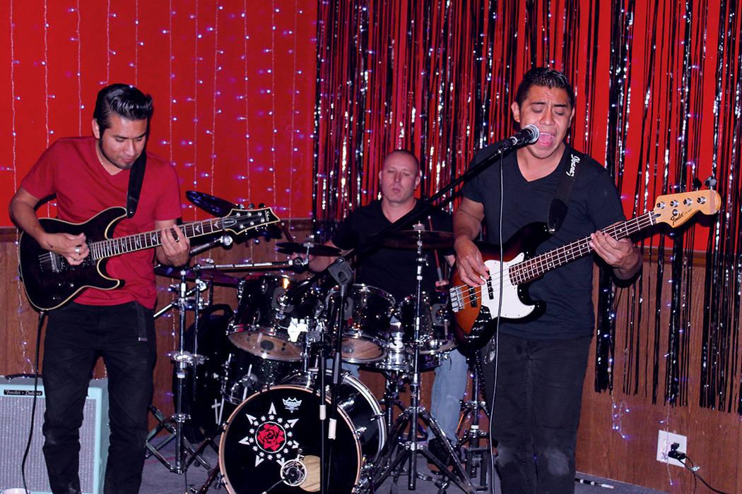 Solo hay 6 grupos de rock en español en Las Vegas, en la foto: Doxil. Fotos, Stateside Lounge, viernes 28 de septiembre, 2017, Las Vegas. | Foto Cristian De la Rosa / El Tiempo.