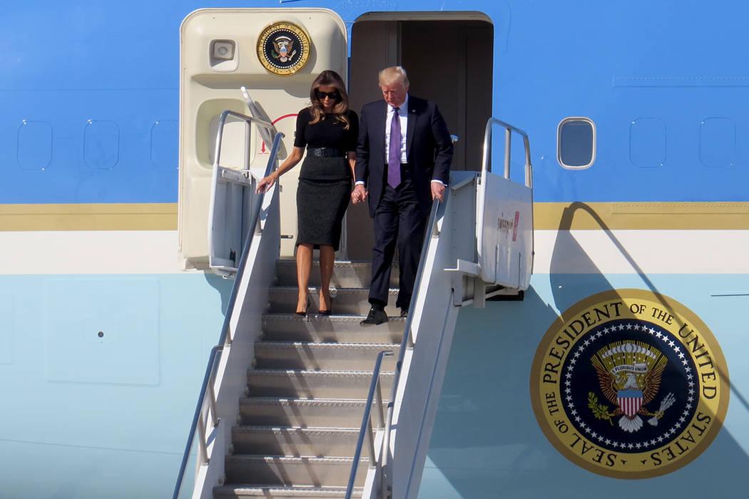 PT 2 Y 3: El presidente y la primera dama visitaron Las Vegas para reunirse con los sobrevivientes del atentado. Miércoles 4 de octubre en el aeropuerto McCarran. | Foto Anthony Avellaneda / El T ...