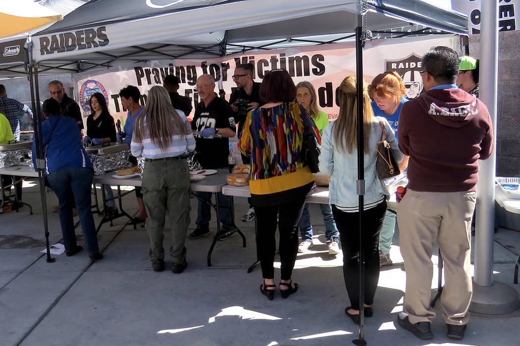 Cerca de 400 personas acudieron a esta comida de agradecimiento. Viernes 6 de octubre en UMC. | Foto Anthony Avellaneda / El Tiempo.