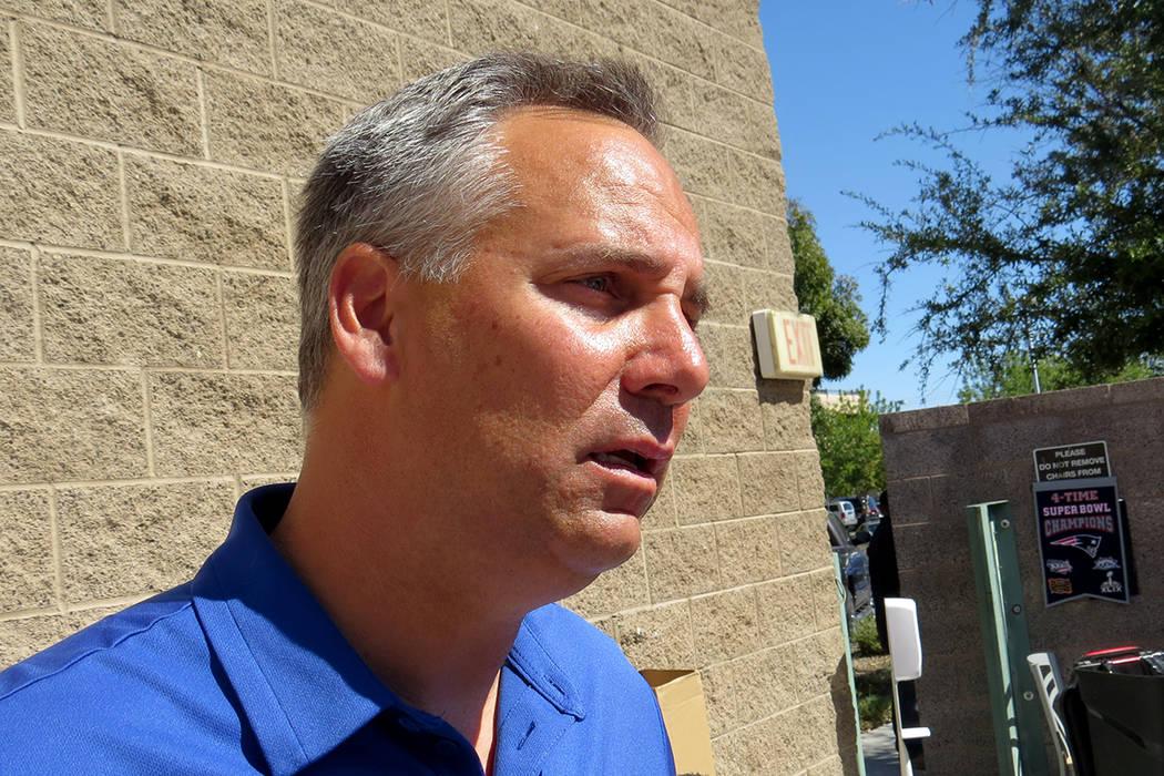 El director de UMC, Mason Van Houwling, explicó que los esfuerzos del hospital continúan en la recuperación de los heridos. Viernes 6 de octubre en UMC. | Foto Anthony Avellaneda / El Tiempo.