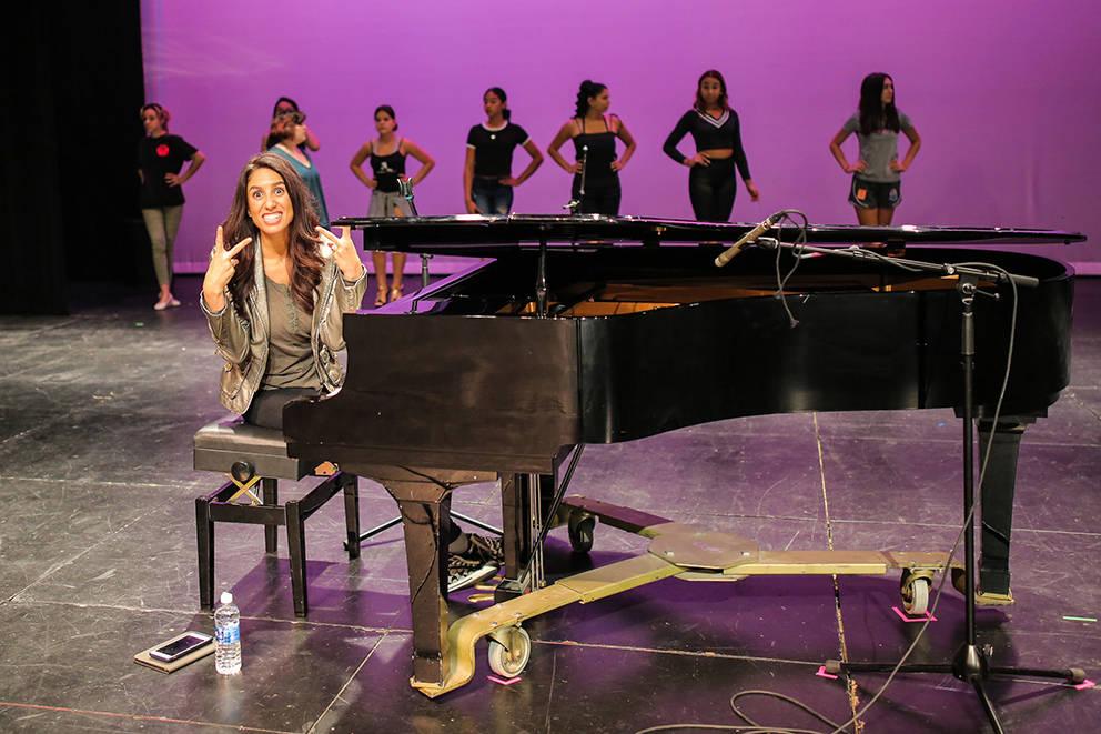 Las participantes del certamen Miss El Tiempo y Miss Teen El Tiempo 2018, ensayaron junto a la cantante y compositora Noybel Gorgoy previo al evento, el sábado 7 de octubre, 2017, en el Lowden Th ...